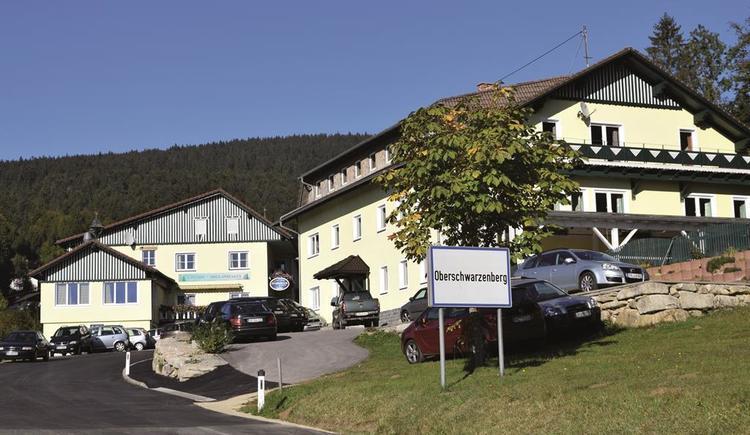 Gasthof Dreiländereck mit Gästehaus rechts (© Ferienregion Böhmerwald)