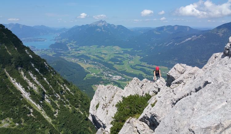 Der Katrin Klettersteig mit atemberaubenden Perspektivenwechsel. Schwierigkeit B/C. Klettersteigausrüstung notwendig! (© Johannes Aldrian)