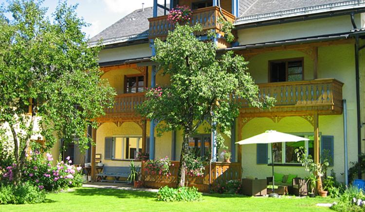 Gartenansicht GIRBL bio Apartments