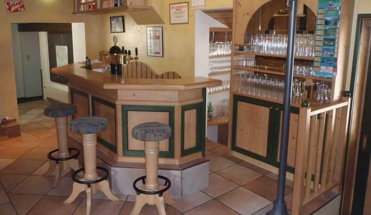 Innenbereich mit der Bar. (© Weiße Taube)