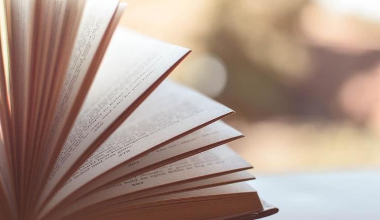 Buchvorstellung (© www.pixabay.com)