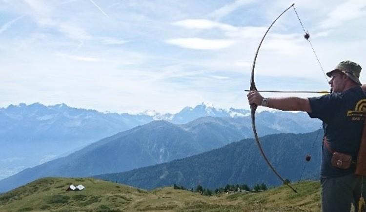 Walter Lichtenegger bietet Bogenschießkurse für Anfänger, Fortgeschrittene und Gruppen an. Wunderschöne Anlage auf der Halleralm in Bad Goisern. (© Faszination Bogensport Walter Lichtenegger)