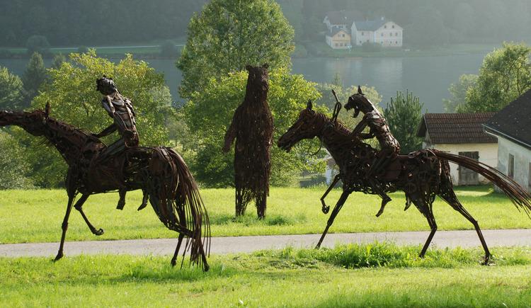 Skulpturen im Park (© Fam. Fahrner)