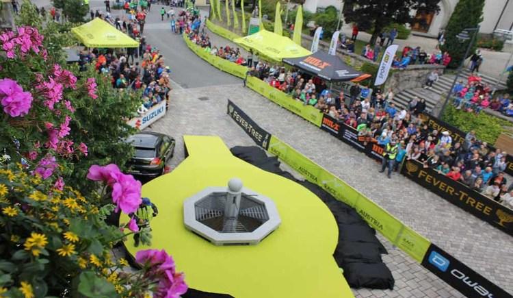 Bilder vom emotionalesten Radrennen Österreichs und härtesten Radrennen Europas. Race Around Austria mit Ziel und Start im Salzkammergut in St. Georgen im Attergau. (© RaceAroundAustria)