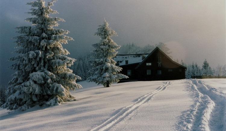 gr-nburger-h-tte-winterwandern-verkl (© Tman)