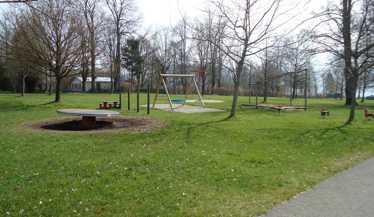 Spielplatzansicht (© Tourismusverband Attersee-Attergau)