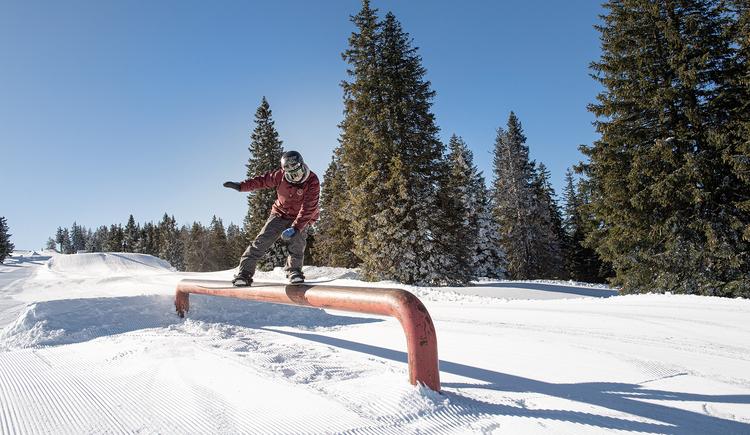 16_Kasberg_Snowboard_Oberoesterreich Tourismus GmbH_Salih Alagic (© Salih Alagic)