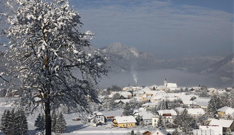Ortszentrum Molln im Winter. (© Alfred Spannring)