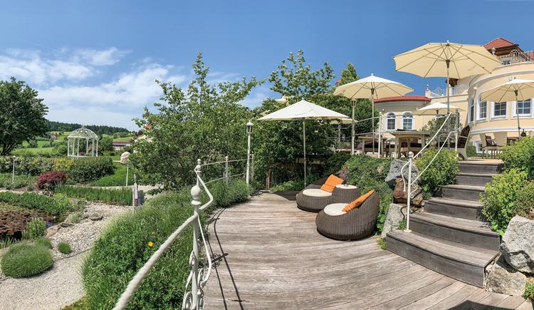 Terrasse, Hotelgarten (© BERGERGUT Pürmayer GmbH)