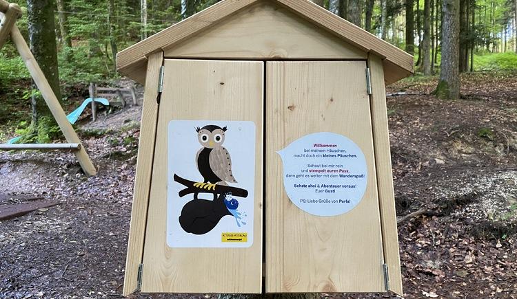 Märchenwanderweg Abenteuer Wander Spaß Häuschen für den Stempelpass. (© TVB Attersee-Attergau)