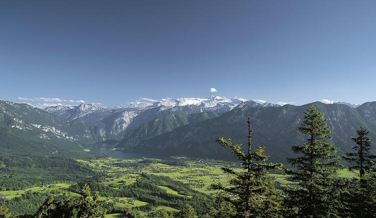 Das von Bergmassiven umgebene Goiserertal ist bekannt für regionale Traditionen und gelebtes Brauchtum.