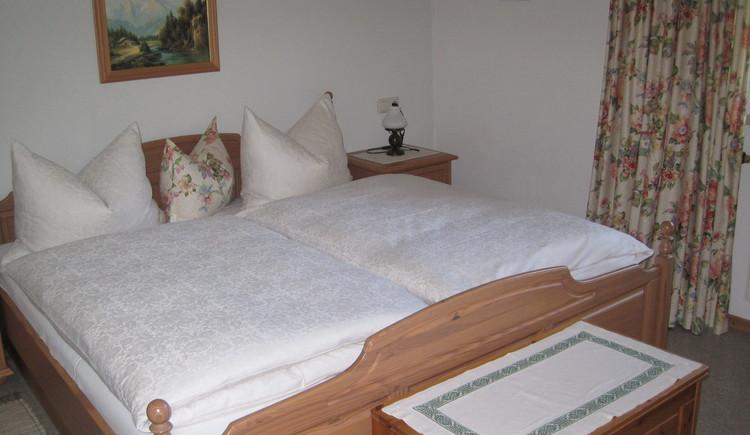 Schlafzimmer in unserer dritten Ferienwohnung. (© Vierthaler Johanna)