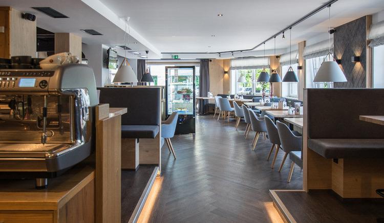 Innenansicht Cafe Restaurant Takeaway Kiener in St. Georgen im Attergau. (© Kiener Innenansicht)