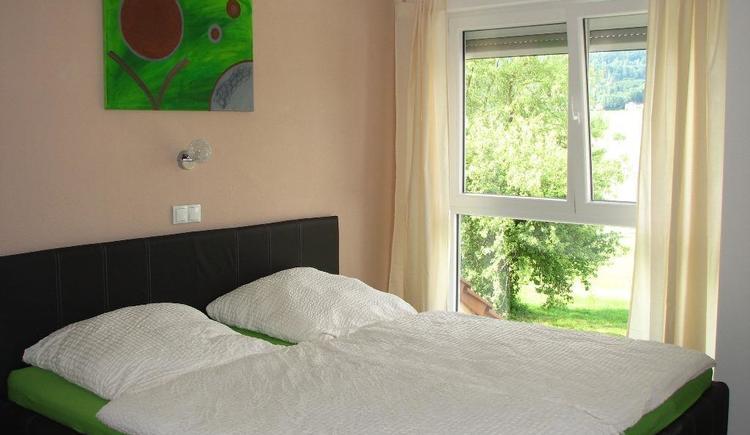 Schlafzimmer FeWo (© Privat)