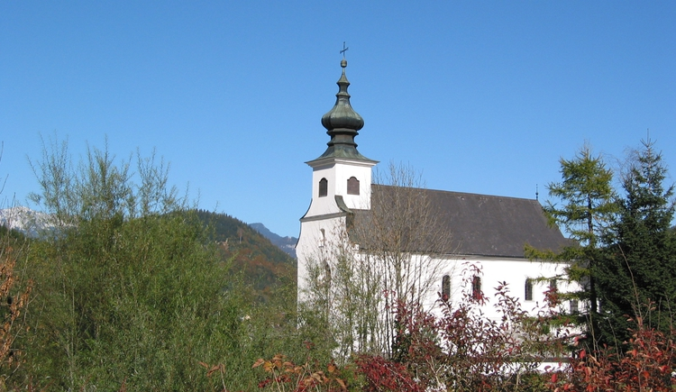 Zweistöckige Friedhofskirche St. Leonhard in Spital am Pyhrn (© Pyhrn-Priel Tourismus GmbH/Seebacher)