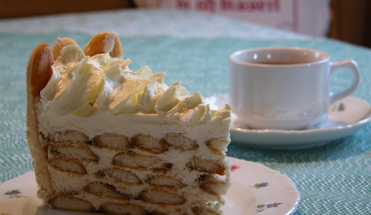 Köstliches Tortenstück und Kaffee im Gasthaus Boigerstadl
