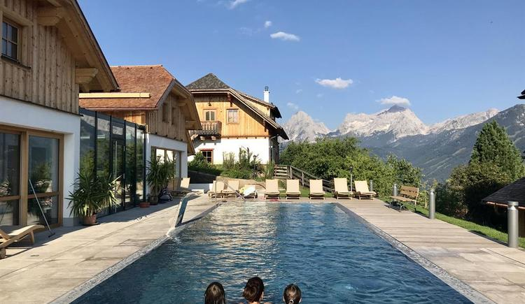 Pool (© Almresort Baumschlagerberg)