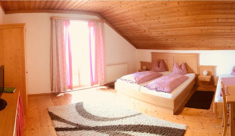Schlafzimmer Ferienwohnung 4 (© Familie Zopf)