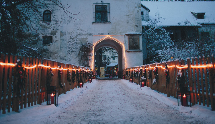 Adventromantik auf Schloss Katzenberg (© www.schlossweihnacht.at)