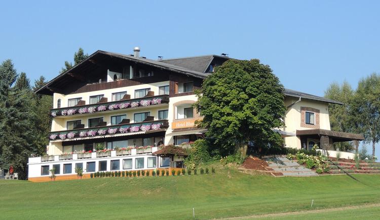 Außenansicht Hotel Blumenhof. (© Hotel Blumenhof)