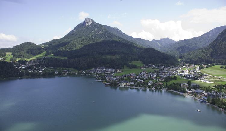 Fuschl am See liegt in der Fuschleeregion,  im schönen Salzkammergut und in Österreich. (© sky-blue Salzburg)