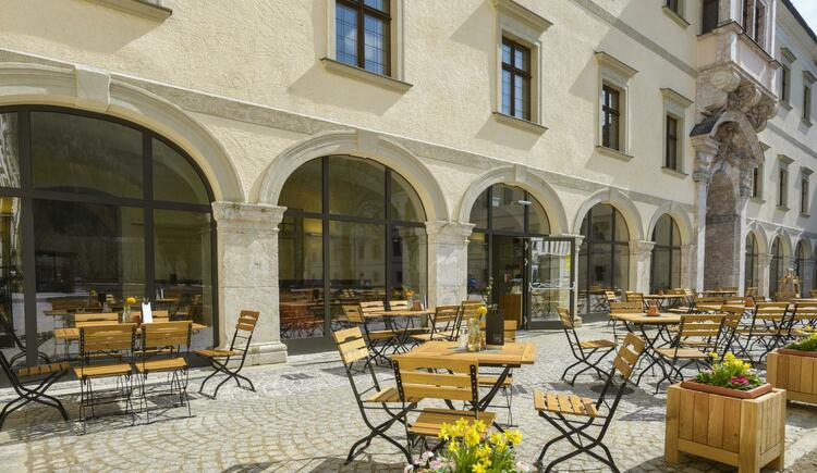 innenhof-terrasse-cafe-jufa-hotel-phyrn-priel-somm