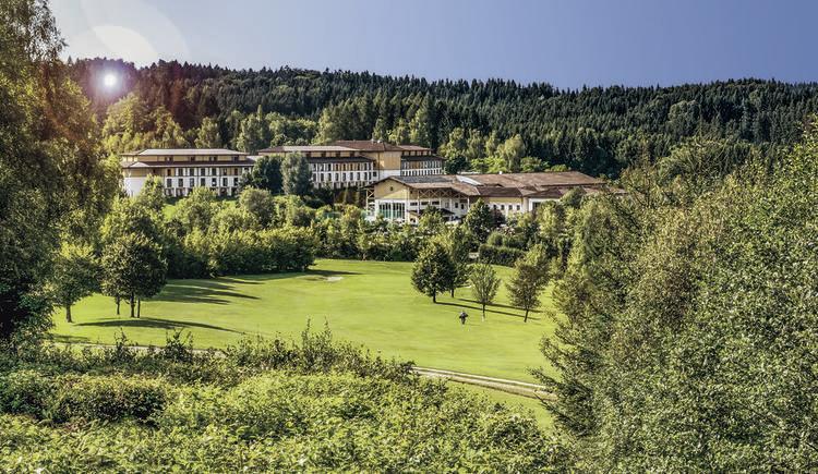 Aldiana Club Ampflwang Blick vom Golfplatz.
