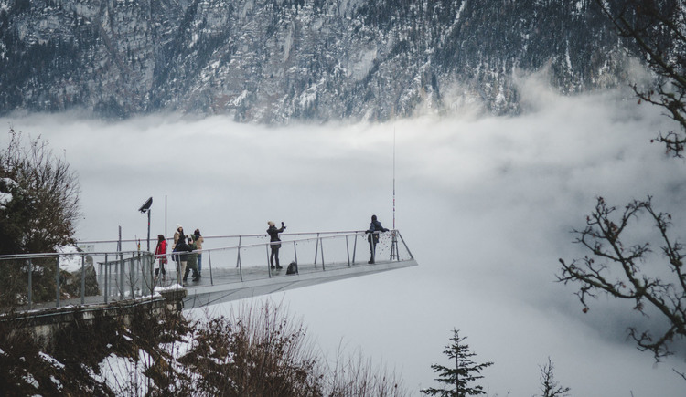 On the salt mountain in Hallstatt there is the World Heritage viewing platform from which you have a view on the World Heritage region Hallstatt-Dachstein/Salzkammergut. (© Edwin Husic)