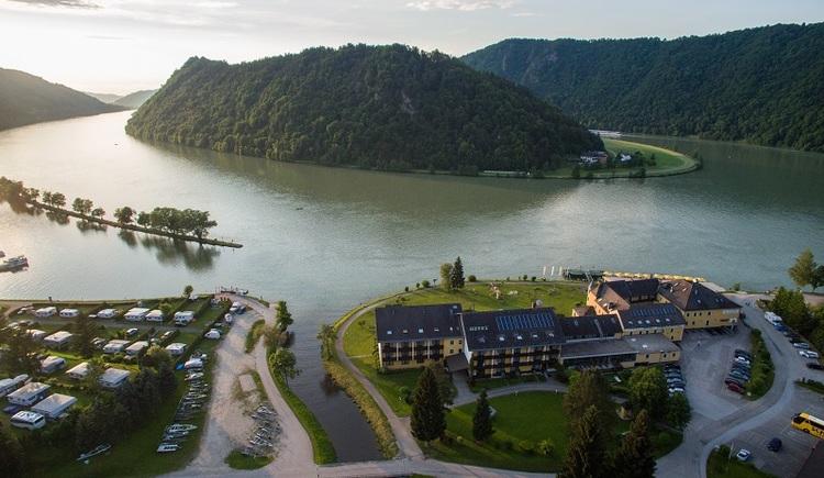 Schlögen Hotel Donauschlinge Luftaufnahme (© Hotel Donauschlinge)