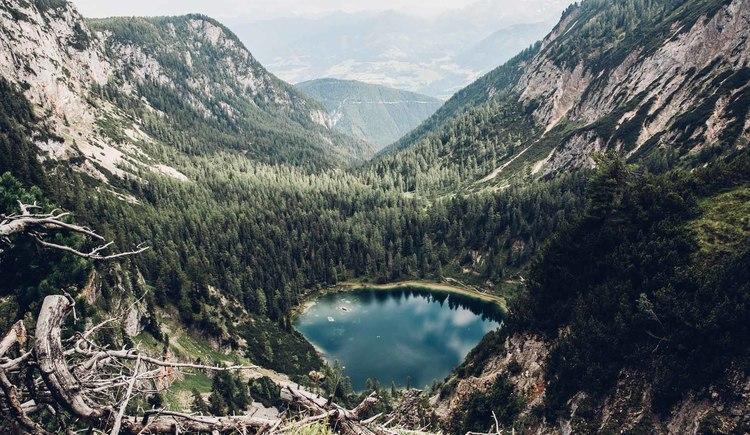 Immer wieder gibt es Gewässer und See die dich am Dachsteinrundwanderweg begleiten. (© © Dachsteinrundwanderweg © ladyvenom)