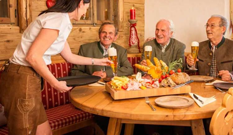 Gasthaus HOAMAT Stammtisch (© www.hoamat.net)