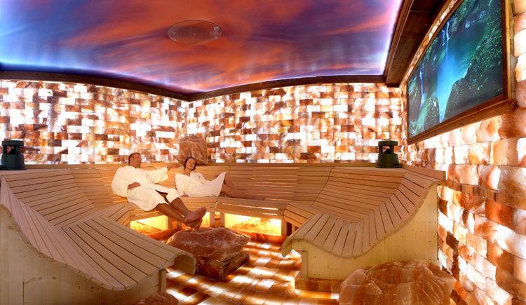 Solegrotte im Hotel Winzer****, Wellness & Kuscheln in Sankt Georgen im Attergau. (© Hotel Winzer****)