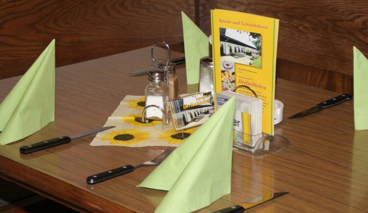 Gedeckter Tisch (© Jausenstation Derischleitn)