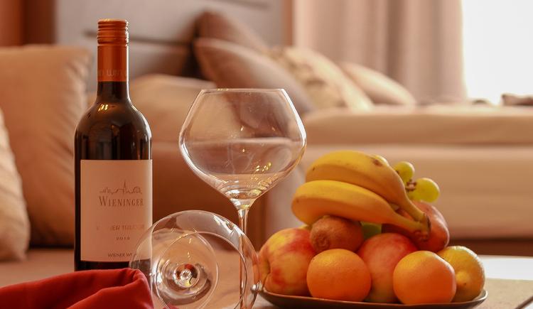 Wein Gläser und Gedeck