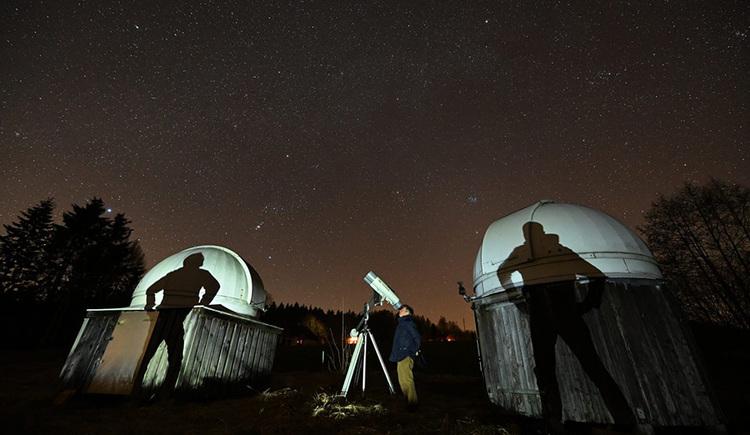 Dr. Dietmar Hager und Freunde beim Sternebeobachten