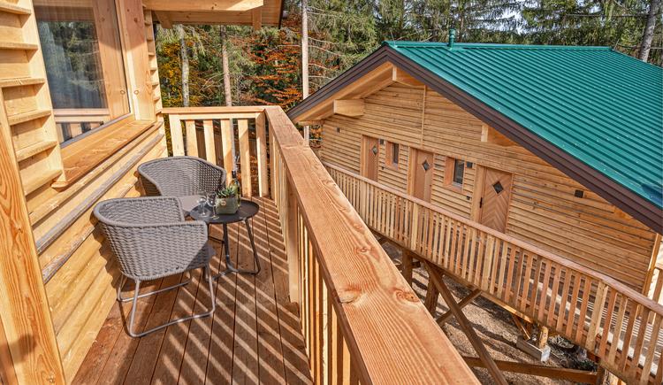 Aussicht von dem Balkon der neuen Baumhotels. (© Baumkronenweg Kopfing)
