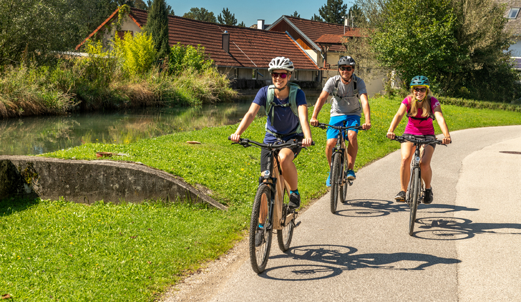Radfahrer Eggenstein am R11, R13. (© brainpark.traunsee)