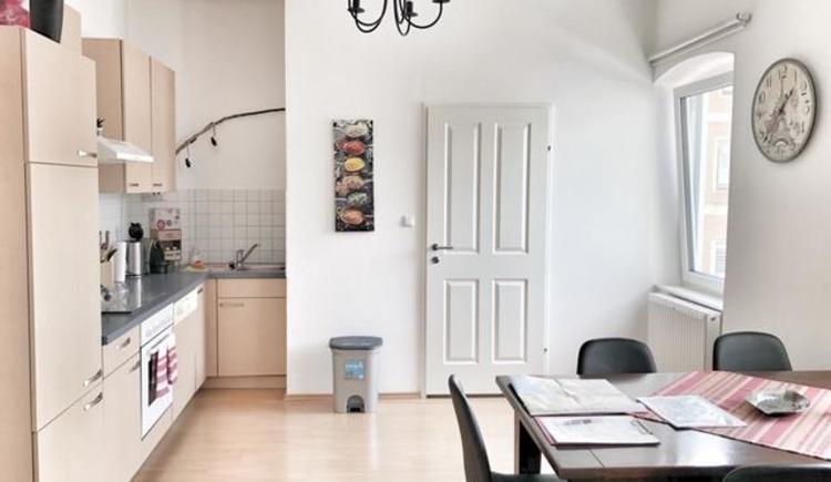 Wohnküche mit großem Esstisch (© Wolfi's Traunseeblick 2)