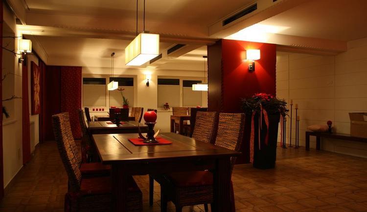 Speiseraum Abend (© Edelweiss Alpine Lodge)