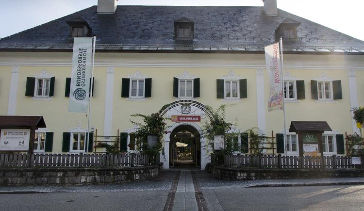 Zweiter Punkt des Themenweges ist das Schloss Neuwildenstein gegenüber vom Marktplatz