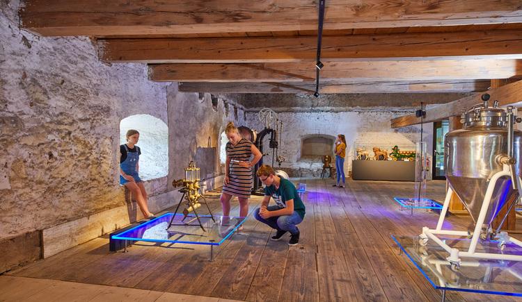 Ausstellung im ehemaligen Getreidekasten (© Foto Wimmer)
