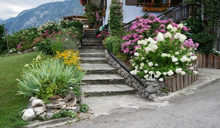Aufgang zur Ferienwohnung im Haus Hummelbrunner. (© Helga Hummelbrunner)