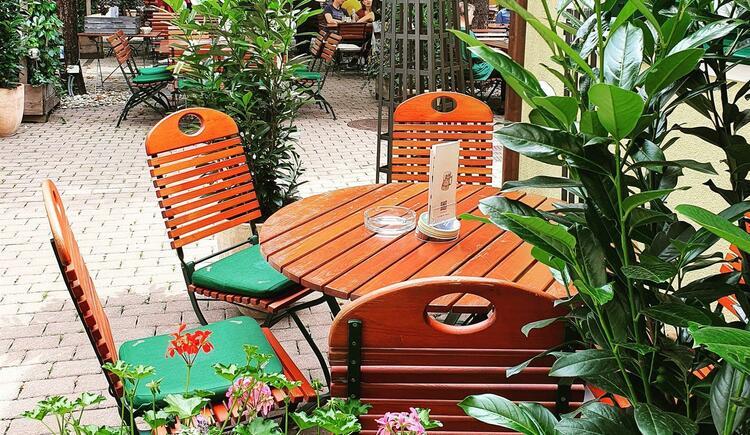Gastgarten Tisch (© Gösserbräu)