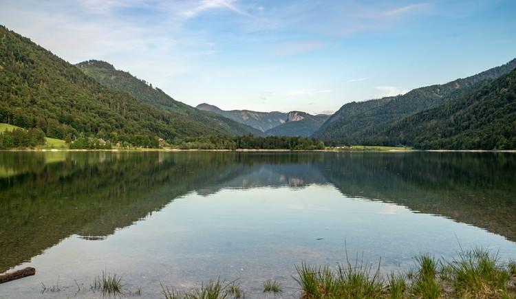 Hintersee Rundweg und Eiskapelle Faistenau Wandern in der FuschlseeRegion 01 (© Best Mountain Artists)
