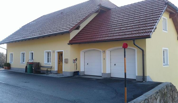 Straßenansicht Haus (© Privat)