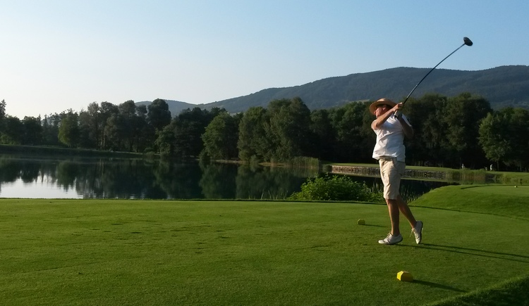 Golf at Mondsee (© Golf am Mondsee, www.leitnerbraeu.at)