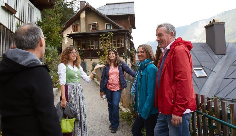Unsere ausgebildeten Austria Guides nehmen dich mit auf eine Tour durch Hallstatt. (© WKO OÖ)
