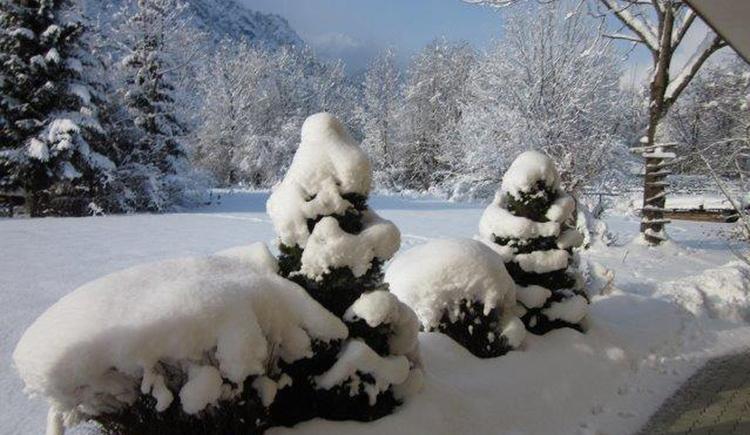 Die Ferienregion Dachstein Salzkammergut verwandelt sich in der kalten Jahreszeit in ein regelrechtes Winterparadies! Komm und genieße deinen Winterurlaub hier bei uns in Bad Goisern am Hallstättersee. (© Gabriele Untersberger)