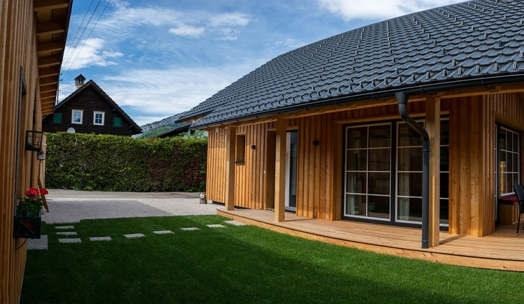 Chalet 164 in Bad Goisern at lake Hallstatt is equipped with a lockable hut  with an e-bike charging station, for storing bicycles, skis and other sports equippment.