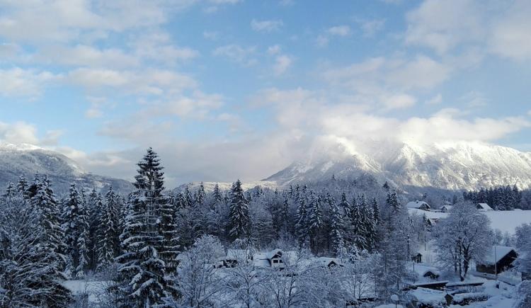 Ausblick vom Balkon in die herrliche Bergwelt. (© Adelheid Haböck)